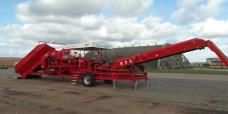 Mobile Carrot Grading & Cleaning with the Tong Fieldloader
