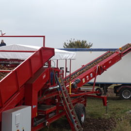Tong's new Fieldloader options – transport loads easier!
