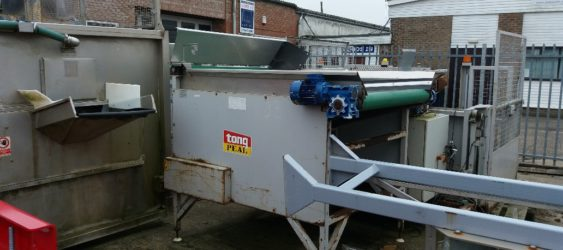 A USED TONG PEAL RISE AND FALL HOPPER